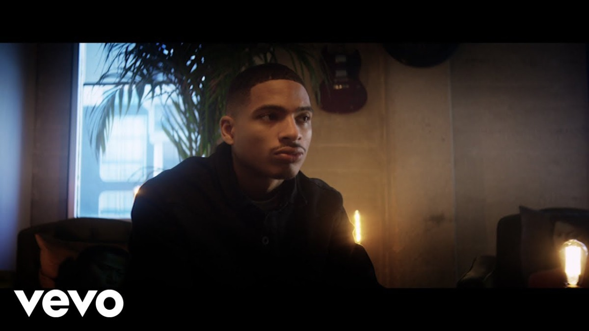 ARIN RAY – STRESSIN (VIDEO)