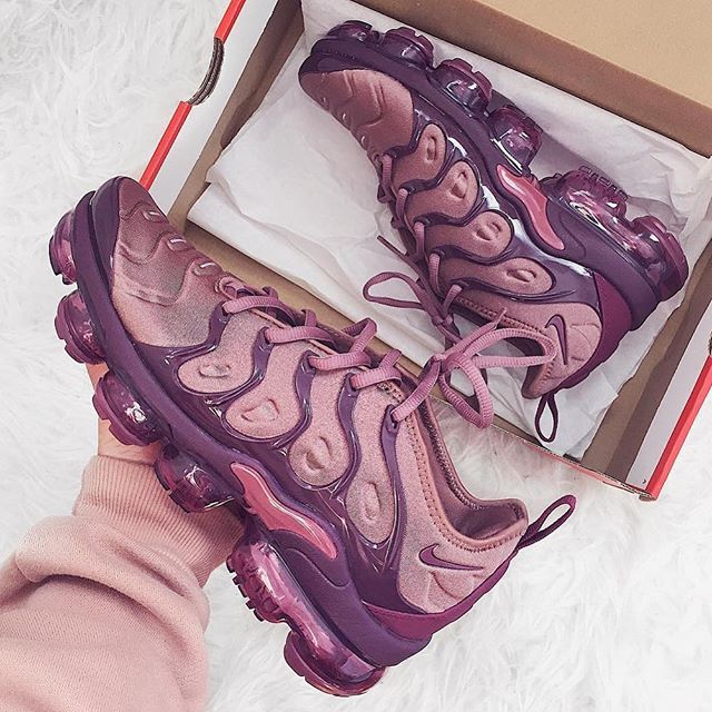 NIKE AIR VAPORMAX PLUS WMNS 'SMOKEY MUAVE' (BUY HERE)